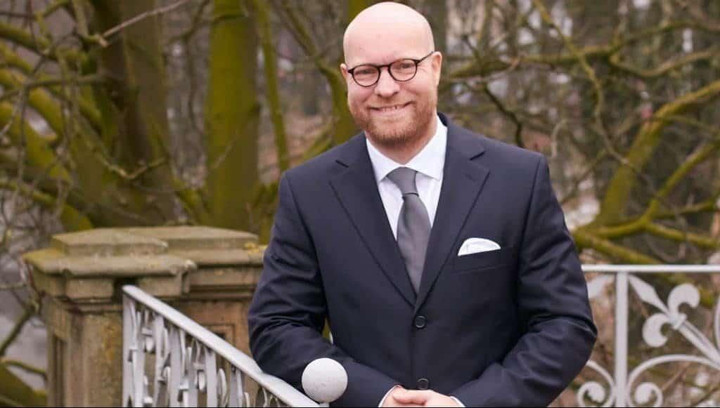 Maschine, Mensch, Meinung - Prof. Dr. Andreas Moring zeigt die Möglichkeiten und Entwicklungschancen von KI auf