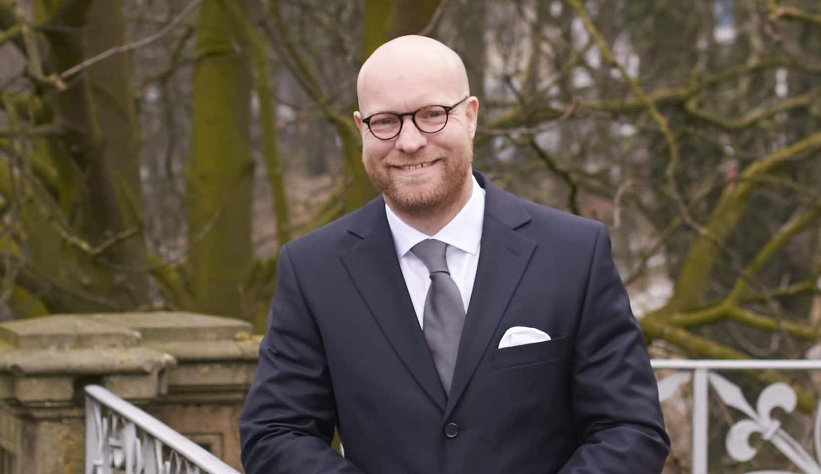 Maschine, Mensch, Meinung - Prof. Dr. Andreas Moring zeigt die Potenziale von Künstlicher Intelligenz auf.