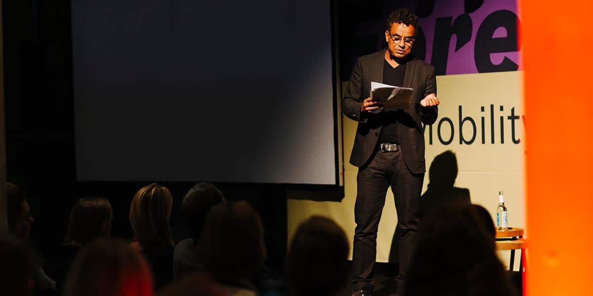 Das Publikum lauschte gespannt den Worten von Paweletz.