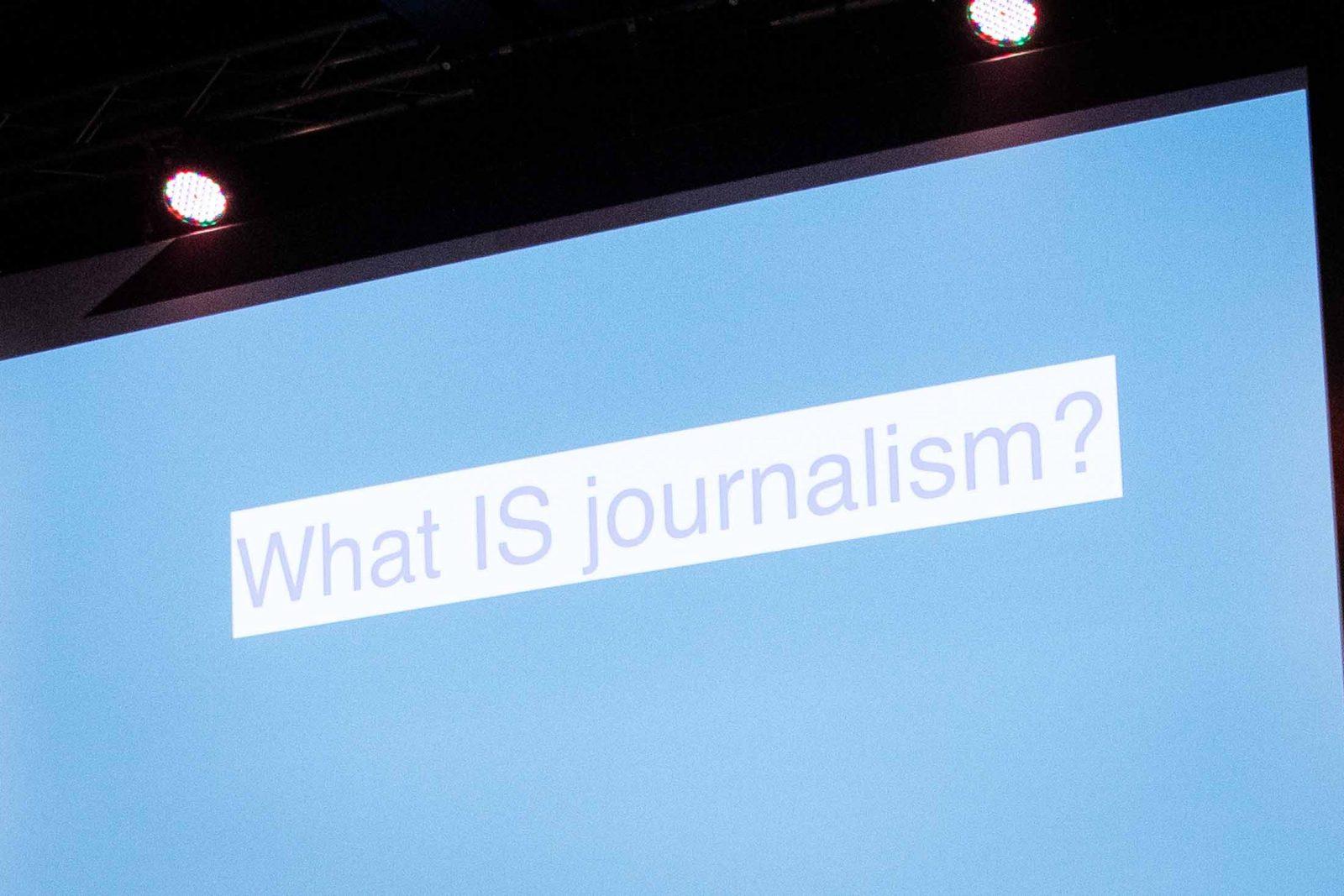 Was ist Journalismus? Dieser Frage ging Alan Rusbridger in seiner Keynote nach. Fotocredit: Christian Charisius.