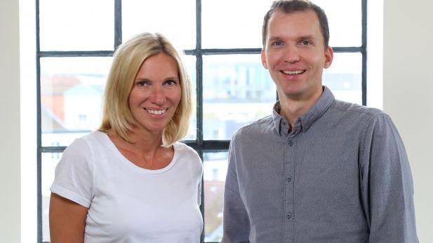 Eva Messerschmidt (links) und Tim Adler (rechts) leiten das Greenhouse Innovation Lab von G+J und der Mediengruppe RTL.