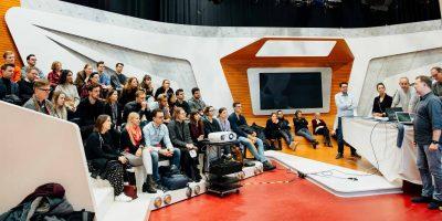 Der Media Innovation Buzz steuerte in diesem Jahr die fünf Stationen Rocket Beans TV, das Greenhouse Innovation Lab von Gruner + Jahr, DIE ZEIT, das NDR NextNewsLab und Jung von Matt an.