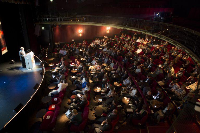 10_Blick vom Obberrang während der Eröffnungs-Keynote von Charles Lewis