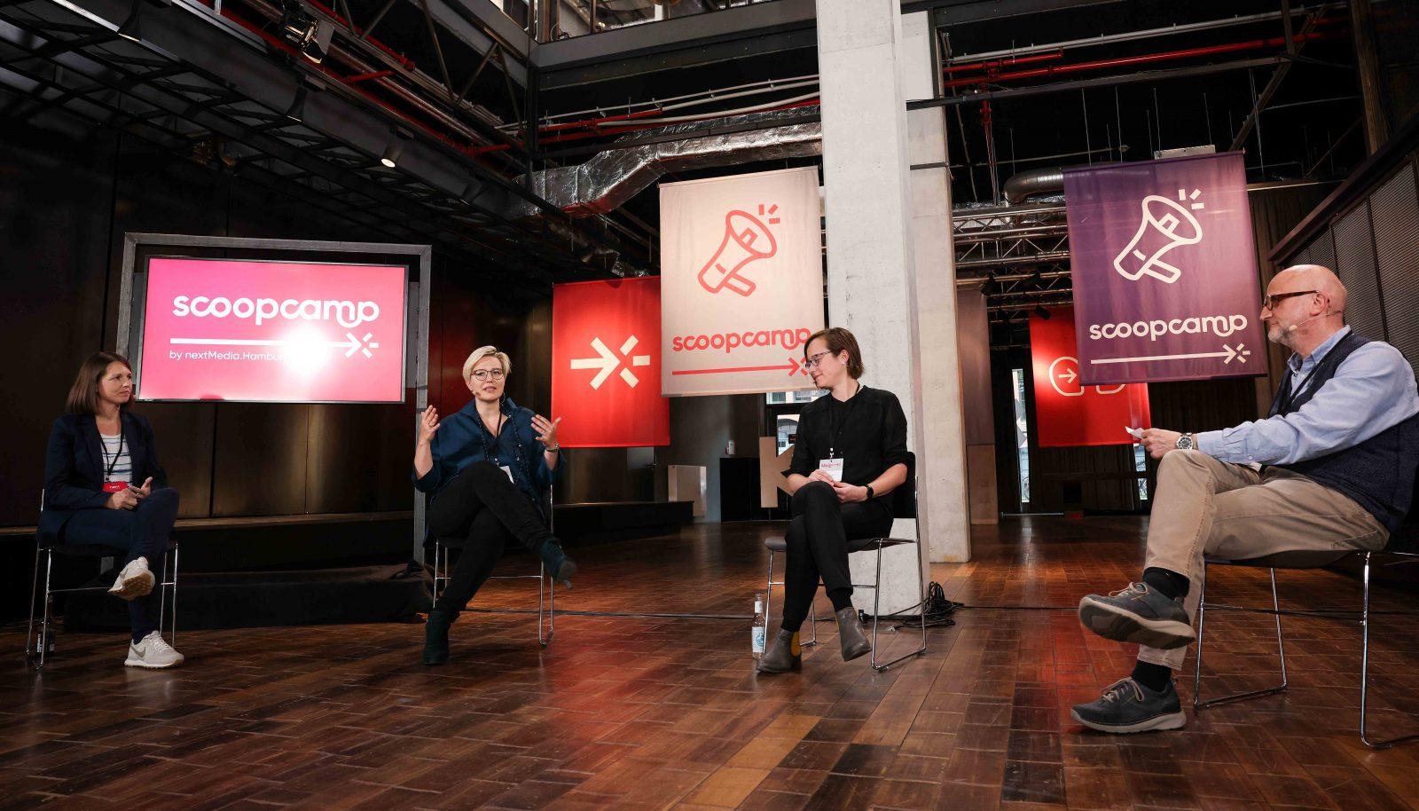 Im Panel diskutierten Julia Lumma, Juliane Leopold, Christina Elmer und Moderator Meinolf Ellers.