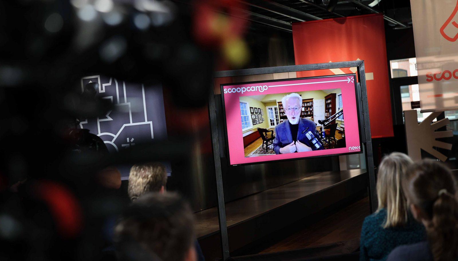 Auch für seine Keynote war der US-Medienexperte live aus New York zugeschaltet.
